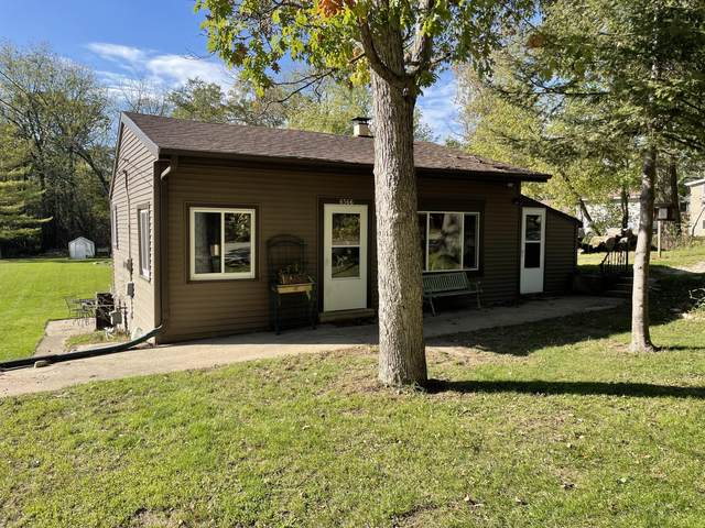 6566 N Tichigan Rd, Waterford, WI 53185 (#1768748) :: RE/MAX Service First