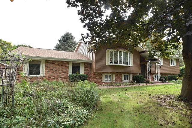 4086 Mary Ln, Jackson, WI 53012 (#1768778) :: RE/MAX Service First