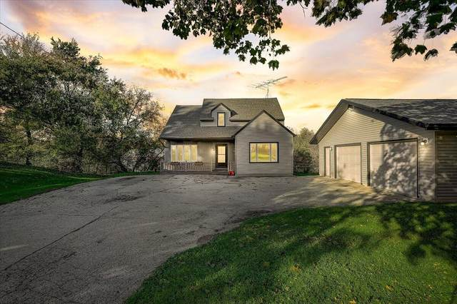 5674 County Rd D, Wayne, WI 53090 (#1768786) :: EXIT Realty XL