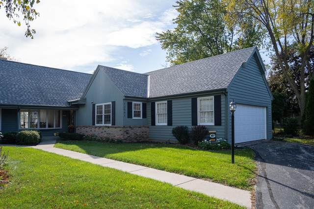 12541 N Woodberry Dr, Mequon, WI 53092 (#1768787) :: Tom Didier Real Estate Team
