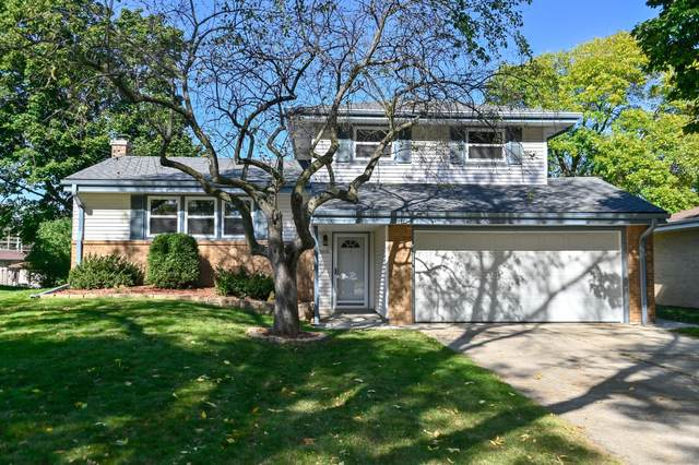 9834 W Palmetto Ave, Wauwatosa, WI 53222 (#1768827) :: EXIT Realty XL