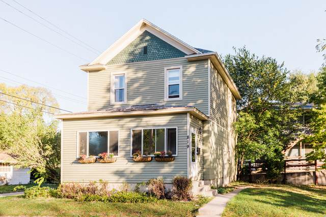 819 Gould St, La Crosse, WI 54603 (#1768829) :: Ben Bartolazzi Real Estate Inc