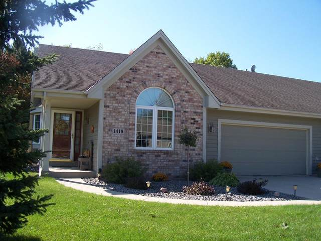 1418 S Silverbrook Dr., West Bend, WI 53095 (#1768850) :: Keller Williams Realty - Milwaukee Southwest