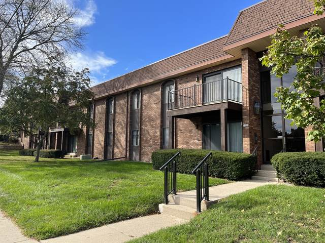9300 W Forest Home Ave #6, Greenfield, WI 53228 (#1768857) :: RE/MAX Service First