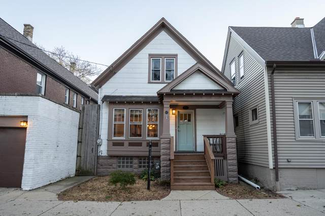 827 E Wright St, Milwaukee, WI 53212 (#1768868) :: RE/MAX Service First