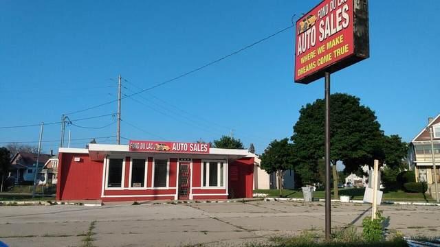 2412 W Fond Du Lac, Milwaukee, WI 53206 (#1768876) :: RE/MAX Service First
