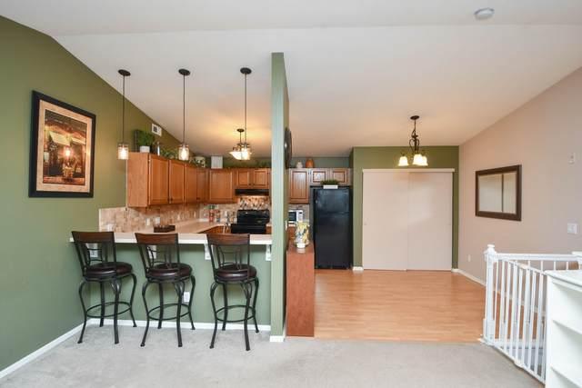 4821 Easy St #10, Delafield, WI 53029 (#1768884) :: Keller Williams Realty - Milwaukee Southwest