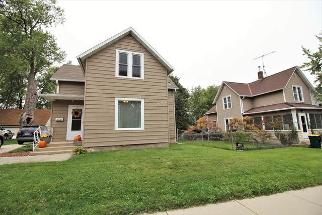 317 N High St, Fort Atkinson, WI 53538 (#1768959) :: Keller Williams Realty - Milwaukee Southwest