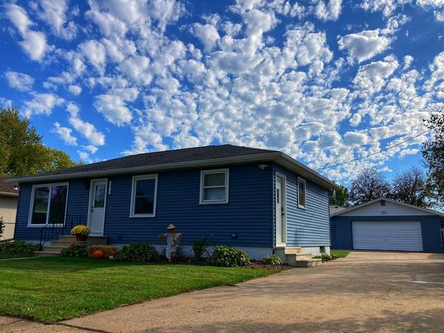 2814 Hass St, La Crosse, WI 54601 (#1768982) :: EXIT Realty XL