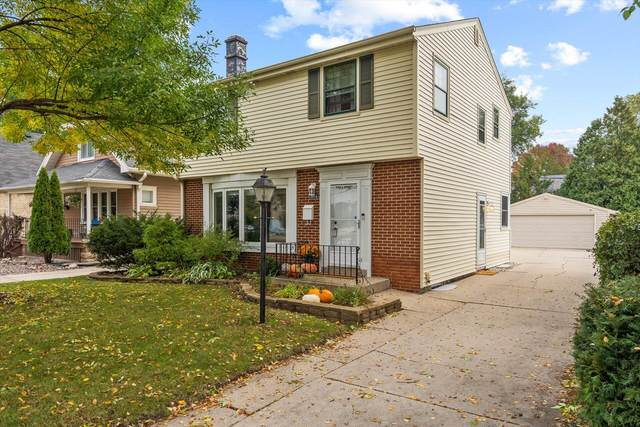 5664 N Lydell Ave, Whitefish Bay, WI 53217 (#1768987) :: Tom Didier Real Estate Team