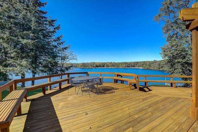 103 E Lake Ln, Richfield, WI 53017 (#1769010) :: EXIT Realty XL