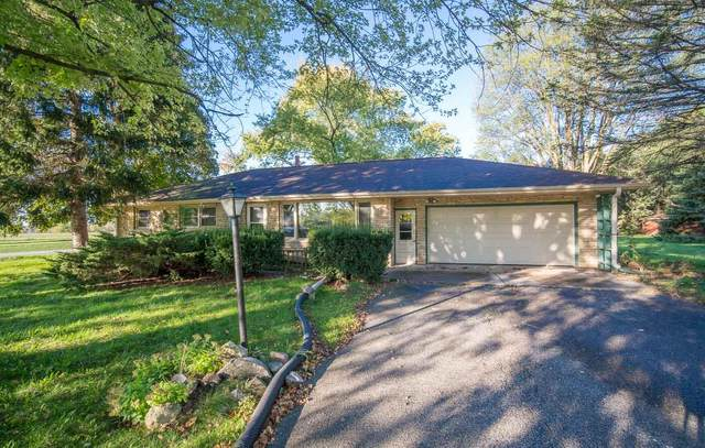 W172N10981 Division Rd, Germantown, WI 53022 (#1769021) :: Ben Bartolazzi Real Estate Inc