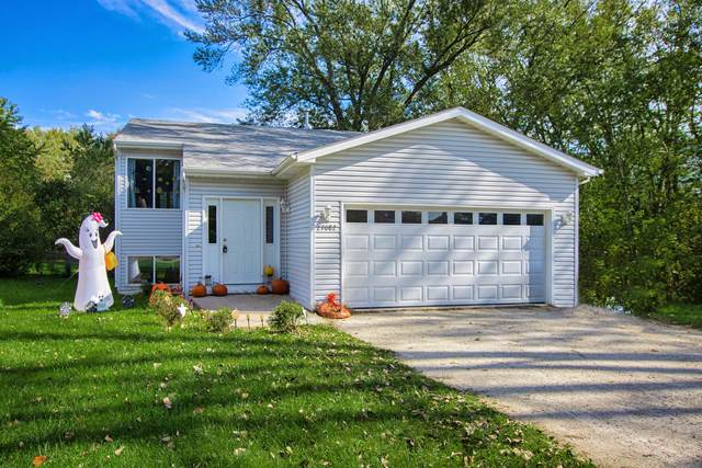 27082 99th St, Salem Lakes, WI 53179 (#1769047) :: Re/Max Leading Edge, The Fabiano Group