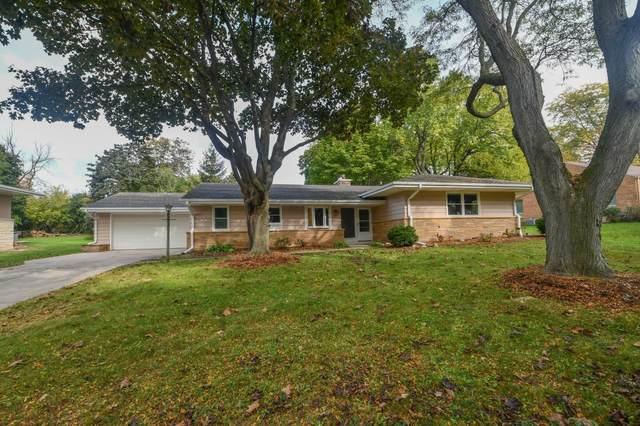N87W15952 Kenwood Blvd, Menomonee Falls, WI 53051 (#1769062) :: EXIT Realty XL