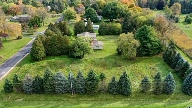 LtB Robinwood Ct, Cedarburg, WI 53012 (#1769064) :: Tom Didier Real Estate Team