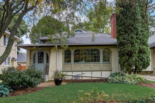 2423 E Shorewood Blvd, Shorewood, WI 53211 (#1769091) :: Tom Didier Real Estate Team