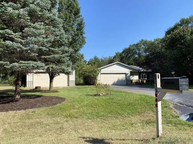 427 Abbey Ln, Rochester, WI 53105 (#1769152) :: Ben Bartolazzi Real Estate Inc