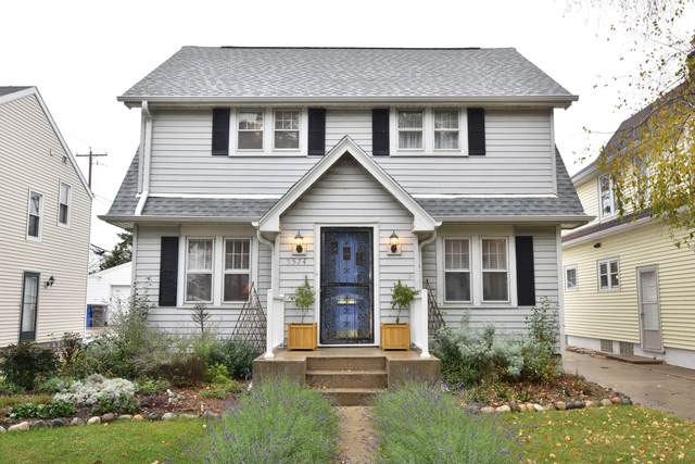 5574 N Lydell Ave, Whitefish Bay, WI 53217 (#1769162) :: Tom Didier Real Estate Team