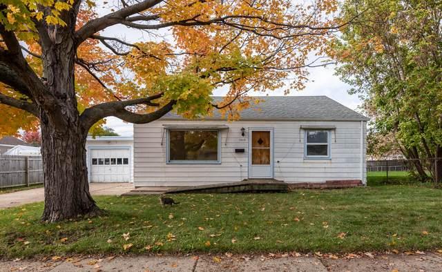 5512 52nd Ave, Kenosha, WI 53144 (#1769216) :: Ben Bartolazzi Real Estate Inc