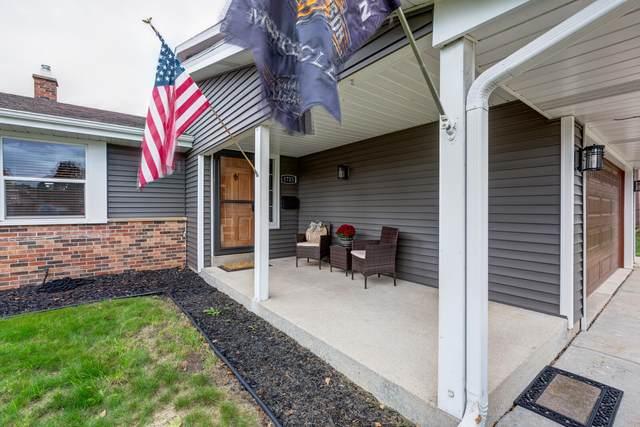 1725 Cedar St, South Milwaukee, WI 53172 (#1769220) :: Tom Didier Real Estate Team