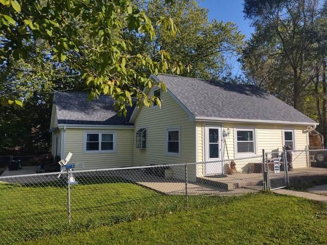 23202 81st St, Salem Lakes, WI 53168 (#1769236) :: Ben Bartolazzi Real Estate Inc