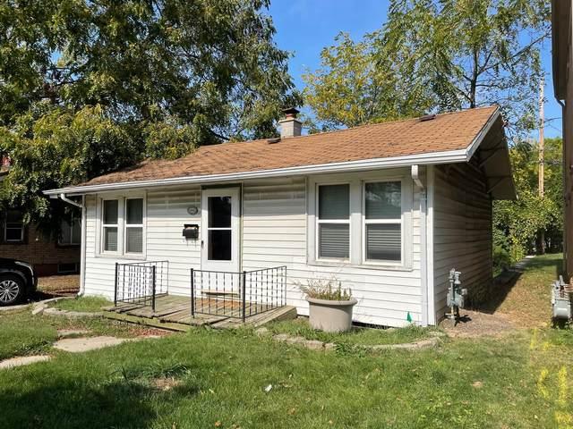 6040 W Fairview Ave, Milwaukee, WI 53213 (#1769245) :: Ben Bartolazzi Real Estate Inc