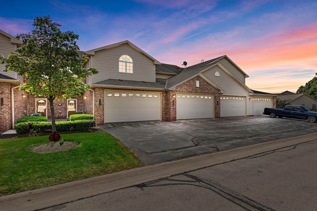 17873 W Jacobs Dr, New Berlin, WI 53146 (#1769263) :: Keller Williams Realty - Milwaukee Southwest