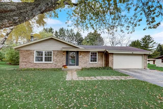 N62W24082 Hickory Dr, Sussex, WI 53089 (#1769343) :: Keller Williams Realty - Milwaukee Southwest