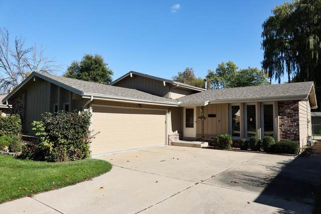 4354 S 61st St, Greenfield, WI 53220 (#1769352) :: Keller Williams Realty - Milwaukee Southwest