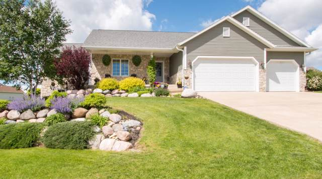 329 S Stone Ridge Dr, Lake Geneva, WI 53147 (#1640958) :: Tom Didier Real Estate Team