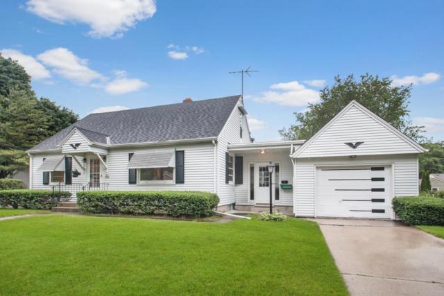 W67N806 Franklin Ave, Cedarburg, WI 53012 (#1536210) :: Tom Didier Real Estate Team