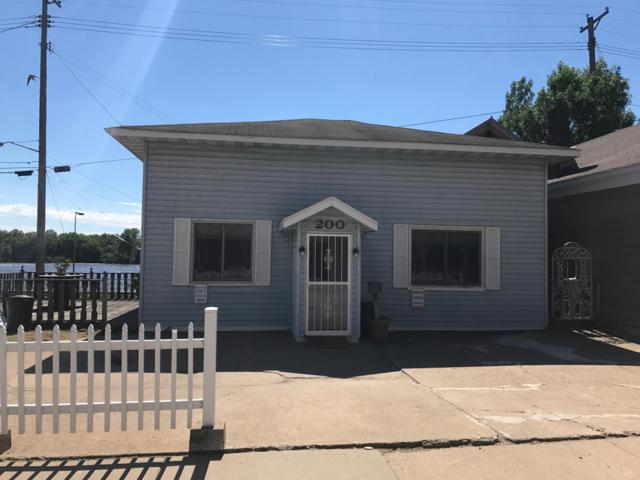 200 N Main St, Alma, WI 54610 (#1537325) :: Tom Didier Real Estate Team