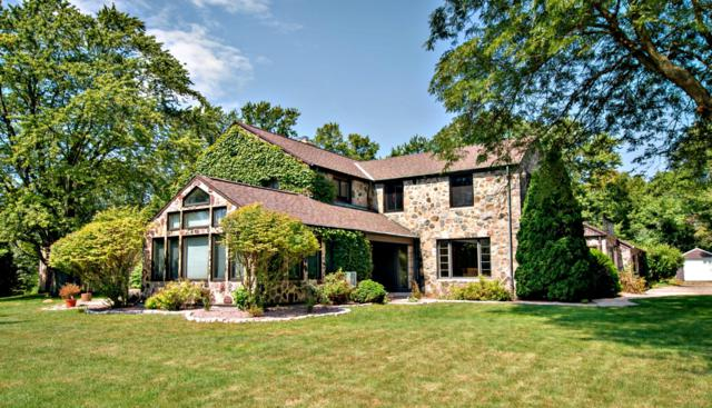 3606 W Candlewick Ct, Mequon, WI 53092 (#1546269) :: Tom Didier Real Estate Team
