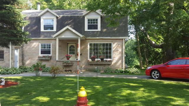 5660 N River Forest Dr, Glendale, WI 53209 (#1547603) :: Vesta Real Estate Advisors LLC