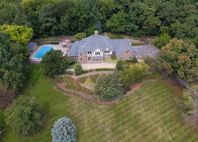 W305N2673 Ravine Ct, Delafield, WI 53072 (#1550834) :: Vesta Real Estate Advisors LLC