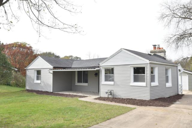 433 Riverview Dr, Grafton, WI 53024 (#1557312) :: Tom Didier Real Estate Team