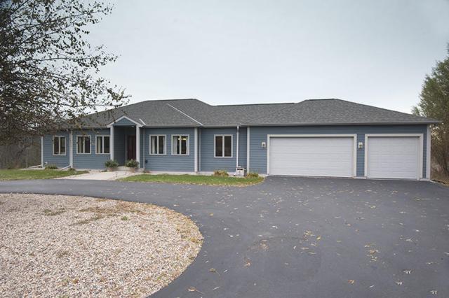 402 N Heritage Rd, Port Washington, WI 53074 (#1558397) :: Tom Didier Real Estate Team