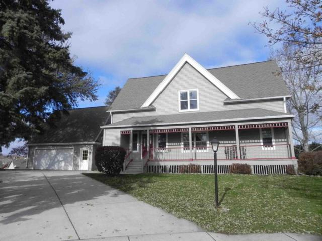 1753 Oneida Ct, Grafton, WI 53024 (#1558838) :: Tom Didier Real Estate Team