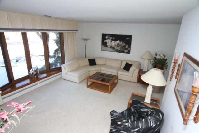 N102W15341 Venus Ct, Germantown, WI 53022 (#1562726) :: Vesta Real Estate Advisors LLC