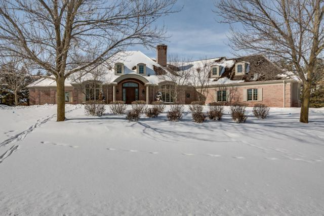 11417 N Canterbury Dr, Mequon, WI 53092 (#1566450) :: Vesta Real Estate Advisors LLC