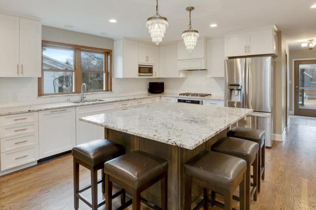 6421 N Hyacinth Ln, Glendale, WI 53217 (#1571408) :: Vesta Real Estate Advisors LLC