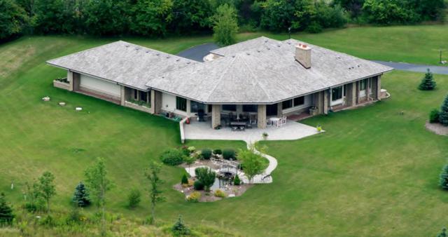 13025 N Birch Creek Rd, Mequon, WI 53097 (#1581424) :: Vesta Real Estate Advisors LLC
