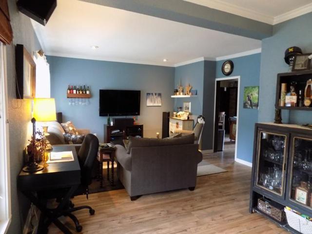 1519 2nd St, Delafield, WI 53018 (#1599291) :: Vesta Real Estate Advisors LLC