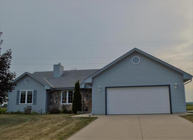 325 S Maple Ln, Saukville, WI 53080 (#1601133) :: Tom Didier Real Estate Team
