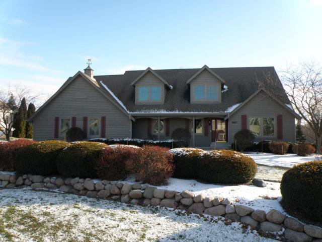 880 Foxkirk Dr, Brookfield, WI 53045 (#1605264) :: eXp Realty LLC