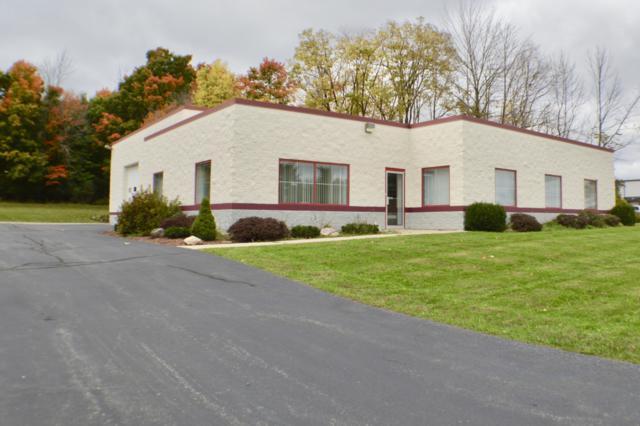 725 N Progress Dr, Saukville, WI 53080 (#1605356) :: Tom Didier Real Estate Team