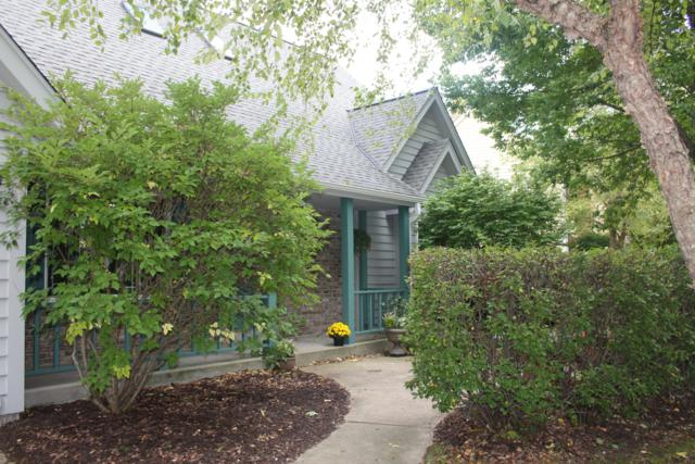 10208 N Foxkirk Dr 96W, Mequon, WI 53097 (#1605564) :: Tom Didier Real Estate Team