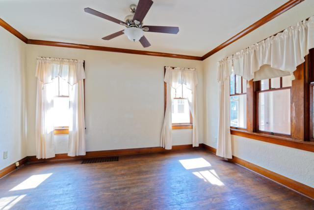 3815 10th Ave, Kenosha, WI 53140 (#1608234) :: Tom Didier Real Estate Team