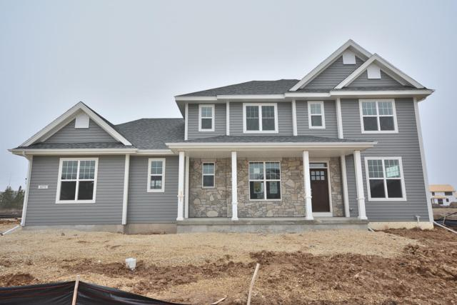 8070 W Mourning Dove Ln, Mequon, WI 53097 (#1614059) :: eXp Realty LLC