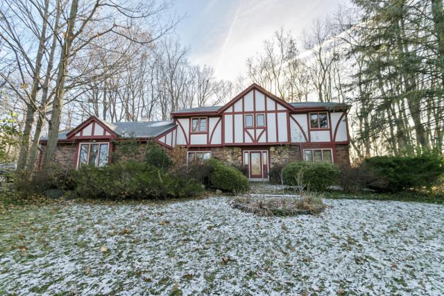 1580 Valley Forge Ct, Brookfield, WI 53045 (#1615867) :: RE/MAX Service First